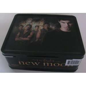 Twilight   New Moon Jacob and Wolf Pack Tin Tote Kitchen