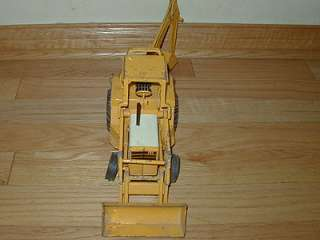 472 ERTL International Harvester Backhoe loader