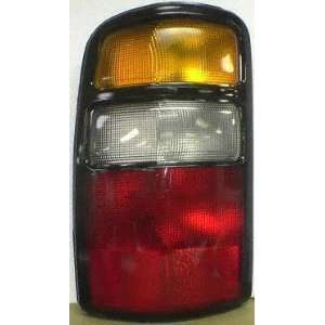 04 05 GMC YUKON DENALI TAIL LIGHT LH (DRIVER SIDE) SUV
