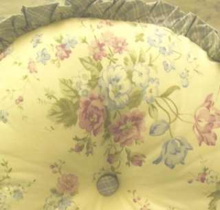 RACHEL ASHWELL Shabby Chic Round LAVENDER FLORAL NWT Pillow~STRATFORD