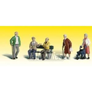 Scenic Accents HO Senior Citizens Toys & Games