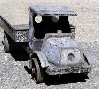 ANTIQUE UNUSUAL LARGE PRIMITIVE HOME MADE PRESSED STEEL EARLY MACK TOY