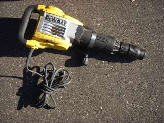 Dewalt D25940K Heavy Duty Electric Jackhammer Breaker