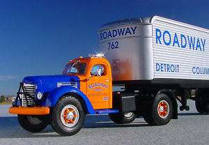 VVFN   1949 ROADWAY EXPRESS IH SEMI TRUCK   First Gear
