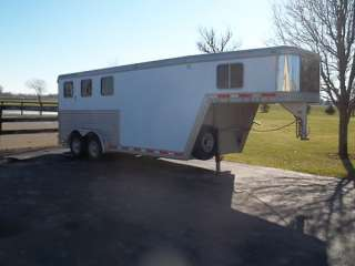 HORSE SLANT LOAD TRAILER WITH RAMP 2002 FEATHERLITE 3 HORSE